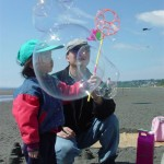 Rudy & Jasmina enjoy bubbles together (Large)_JPG